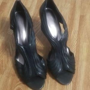 Naturalizer Heels Black gently worn comfortable!